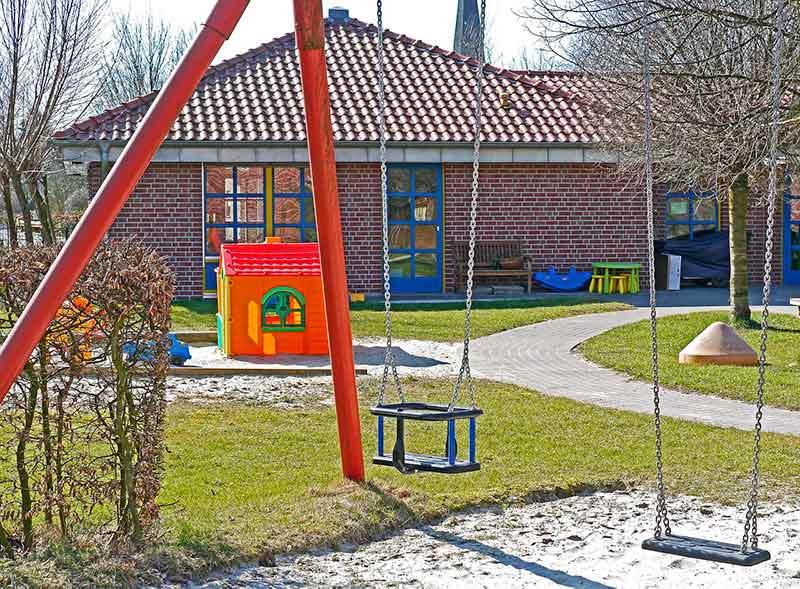 Columpio jardín niños