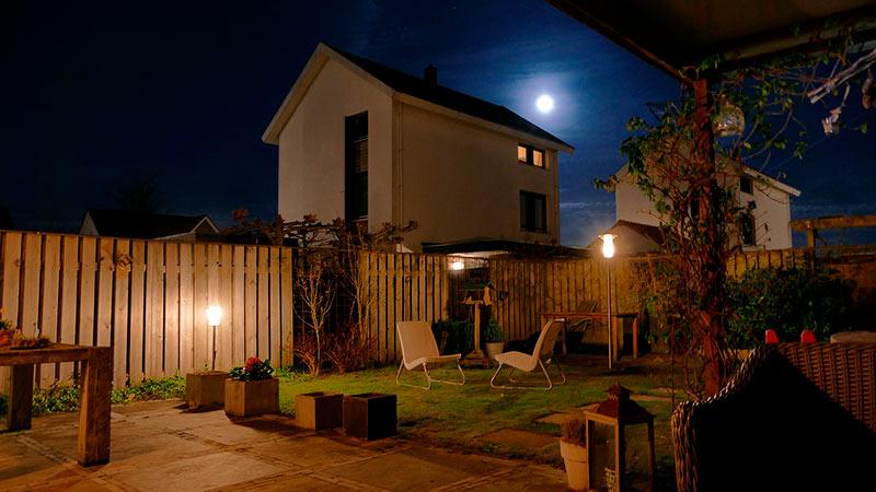 farola solar jardín